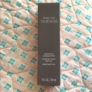 Mary Kay Time Wise Mayte 3D Foundation Various